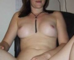 Carol_luvs is from Cringleford and aged 32 | Image 1
